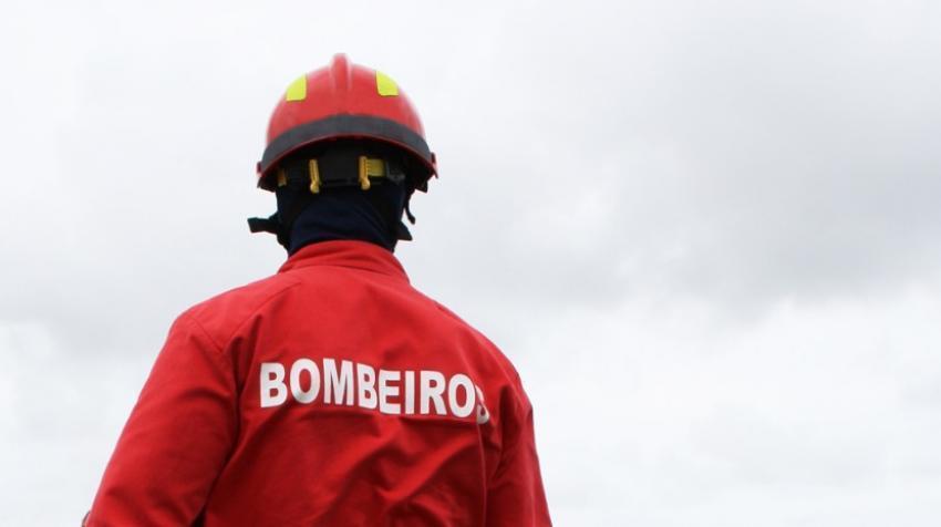 Incêndios: Cinco bombeiros perderam a vida no combate às chamas este ano    Jornal de Abrantes