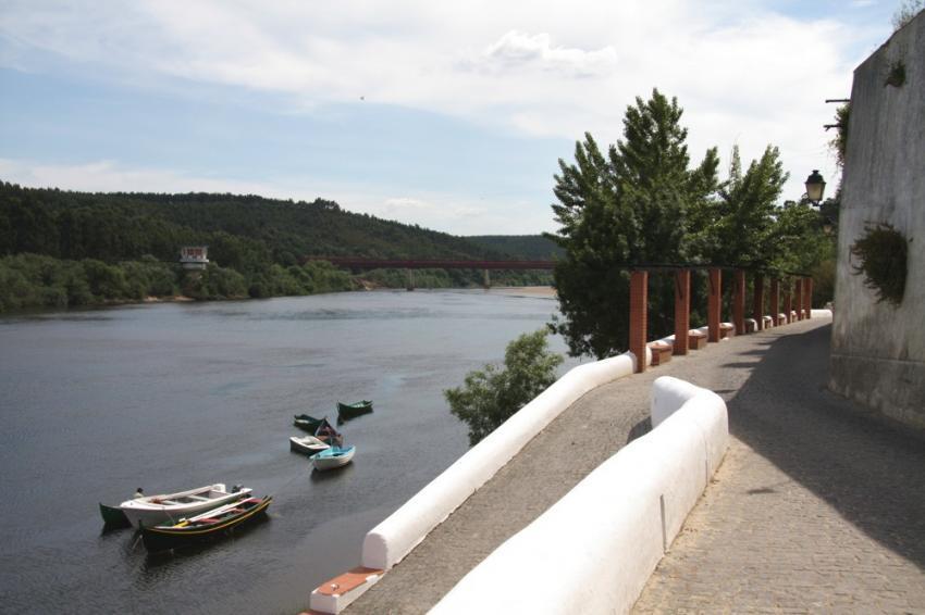 Autarcas defendem uma nova travessia sobre o rio Tejo